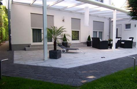 terrasse verlegen lassen kosten terrasse bauen lassen kosten vorhandener terrasse zu