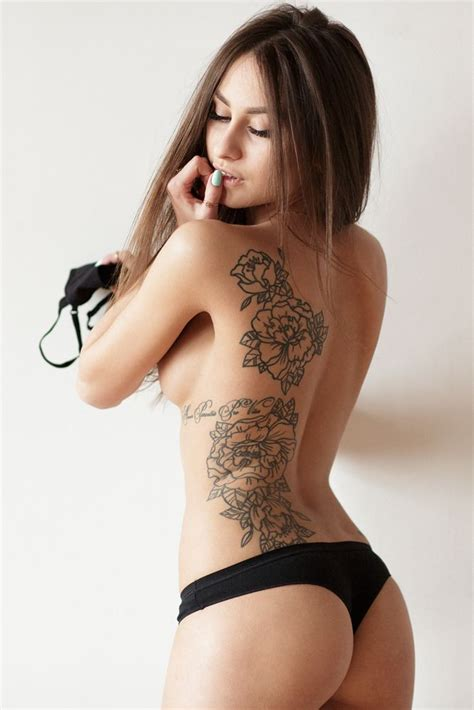tattoo on hot body nekine stuff i like funny kine stuff sexy chicks
