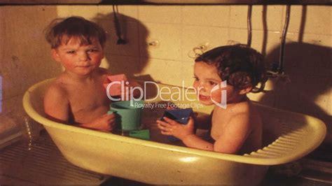 film gratis kinder kinder in badewanne 8 mm film royalty free video and