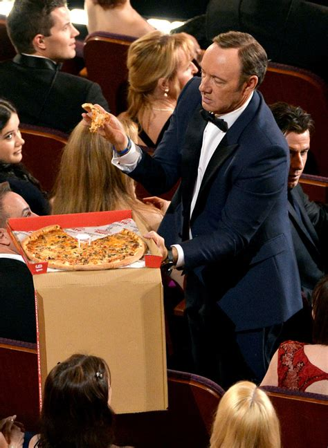 kevin spacey got his own box of pizza the oscars turned