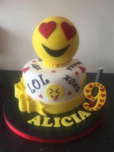 Wedding Cake Emoji by Emoji Cake Cake By Donnajanecakes Cakesdecor