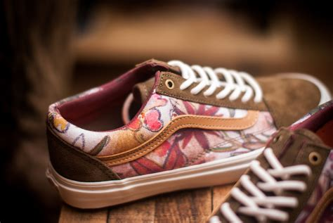 Vans Authentic Floral Premium Icc vans camo floral pack sneakers addict