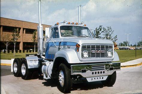 gmc 9500 series looks like a sharp brochure truck these