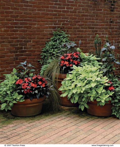 como decorar unas jardineras 3 formas de decorar con macetas y jardineras