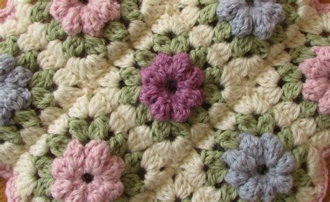 invalid name pattern arraydescriptor how to make easy crochet pretty puff stitch flower