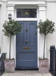 Impressive front door plant decor ideas outdoortheme com