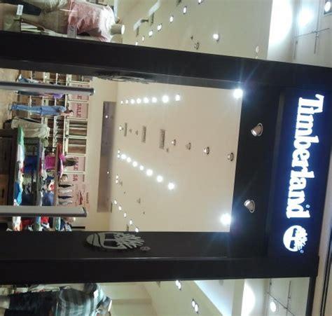 centro commerciale porta di roma negozi porta di roma negozi timberland con saldi al 20 per cento