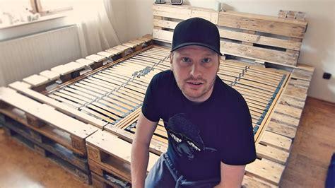 europalette bett doppelbett selber bauen aus europaletten youtube
