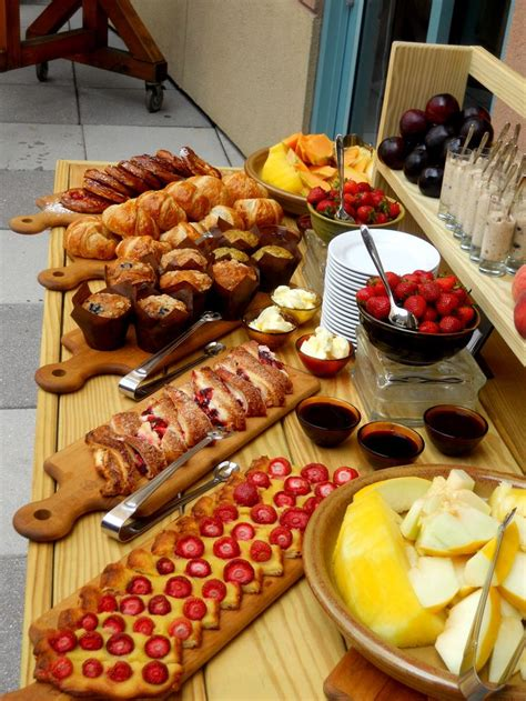 buffet items ideas 25 best ideas about brunch buffet on