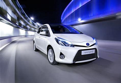 Fuel Efficiency Toyota Yaris 163 15 000 Toyota Yaris Hybrid Records Co2 Emissions