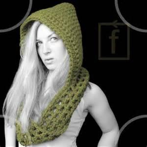 Free knitting pattern 40597 hood with scarf lion brand yarn company