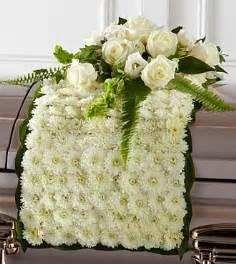 Spray Of Flowers For Funerals - the ftd 174 blanket of flowers