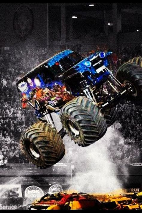 monster truck jam oakland monsterjam will come to oakland on february 22 2014