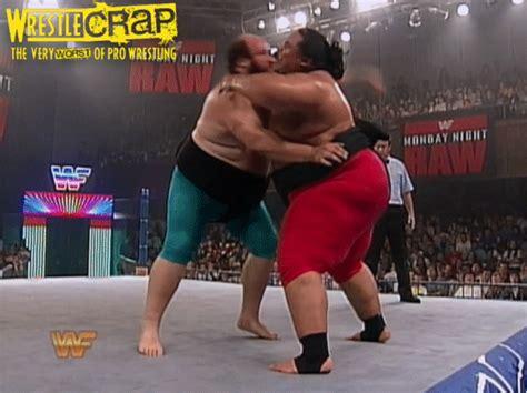earthquake wwe strength fighter yokozuna vs earthquake sumo match
