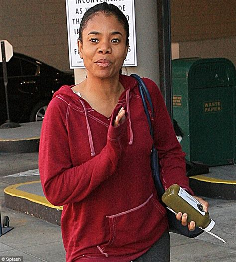 Regina Hall Real Hair | regina hall shows off her naturally flawless complexion as