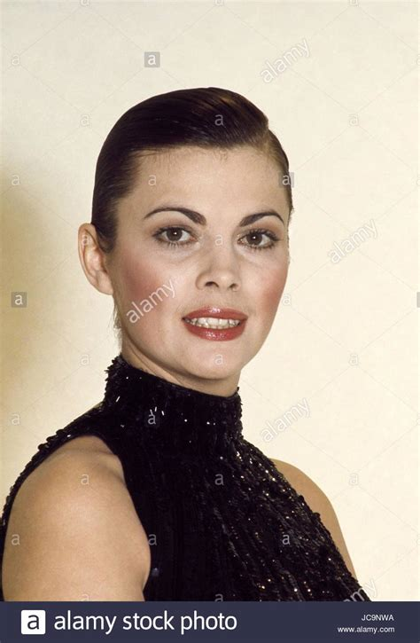 mireille mathieu is she married french singer mireille mathieu in october 1979 photo