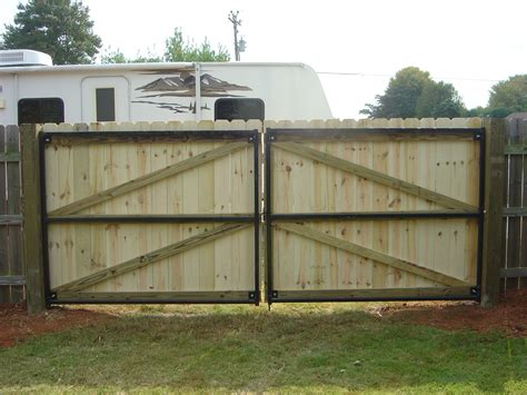 walpole woodworkers coupon wood fence and gate vinyl fences gates walpole woodworkers