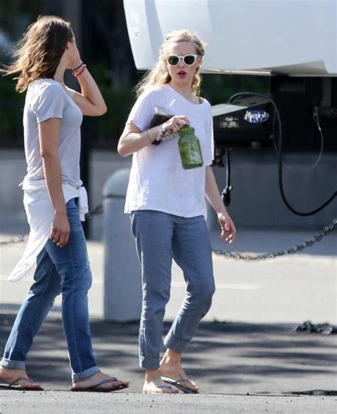amanda seyfried in jeans amanda seyfried in jeans on ted 2 set 11 gotceleb