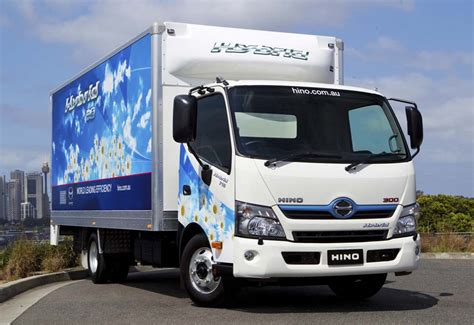 hybrid truck al futtaim motors debuts hybrid truck in uae