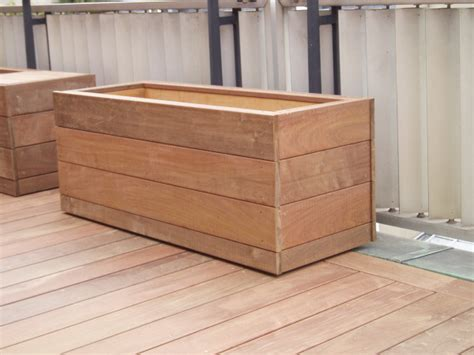 Exceptionnel Grandes Jardinieres Pour Terrasse #2: REAL-REC-CHAR-JARDINIERE2.jpg