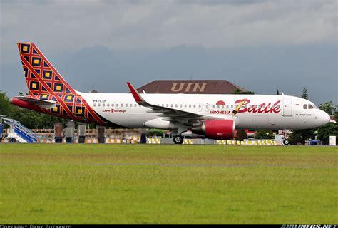 batik air indonesia contact airbus a320 214 batik air aviation photo 4395883