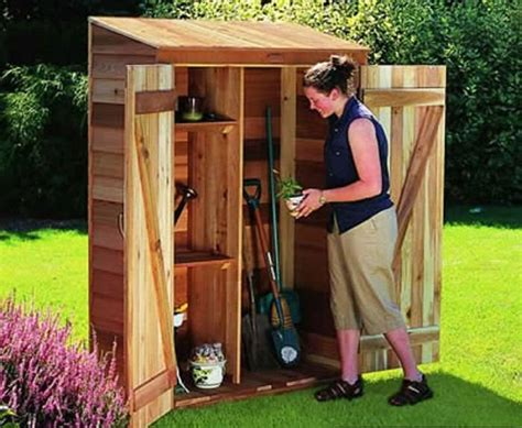 Small Garden Storage Ideas Building A Small Garden Shed Gardening Pinterest Small Barn Plans Small Gardens And Barn