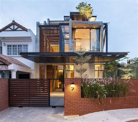 a semi detached house in singapore connects to its