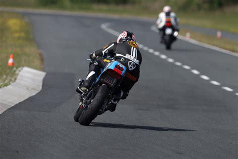 Reifendruck Motorrad Supersportler by Roadattack2 Cr Modellnews
