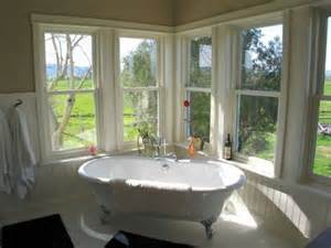 Corner Windows Decor How To Create A Vintage Interior D 233 Cor For Your Bathroom
