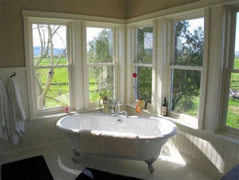 Corner Windows Decor How To Create A Vintage Interior D 233 Cor For Your Bathroom