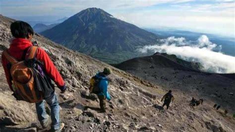 Saya Pendaki Gunung seorang pendaki gunung kerinci nyaris tewas tertimpa batu