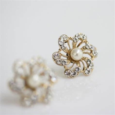 gold bridal earrings flower stud earrings ivory pearl