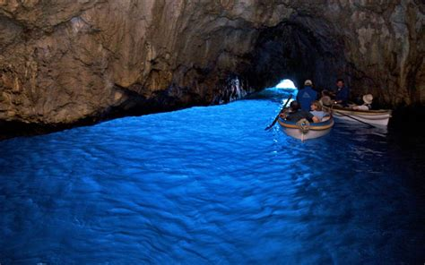 Grotta Azzura hotel on italy with spa pool and free shuttle orsa maggiore