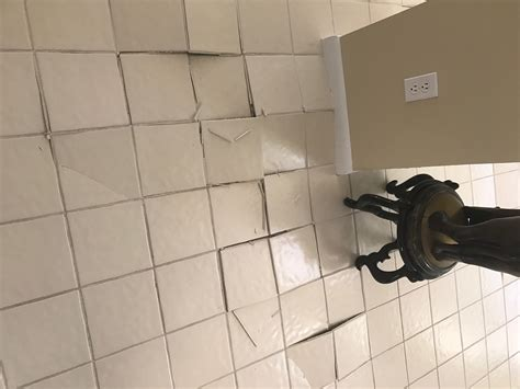 loose bathroom tile 100 how to repair cracked tiles how to fix cracked