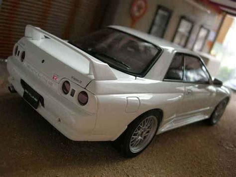 Ebbro Nissan Skyline Gt R R34 Daishin N1 nissan skyline r32 gt r v spec ii autoart modellauto 1 18