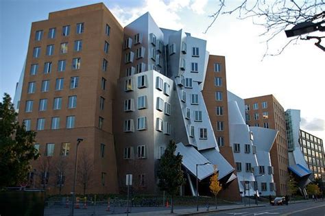 frank gehry möbelkollektion stata center dans le massachusetts imposant ouvrage de