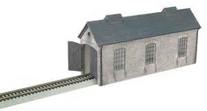 engine shed ho scale 35905 129 00 bachmann trains