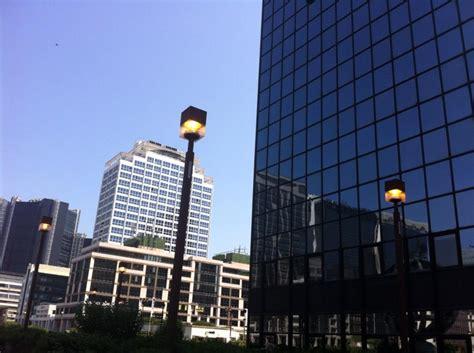 illuminazione pubblica napoli spreco di energia al centro direzionale illuminazione in