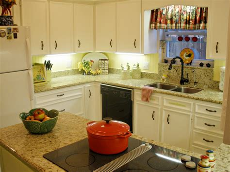 Decor Ideas For Kitchens Make Your Kitchen Shiny With Granite Counter Tops Decor Kitchen Segomego Home Designs
