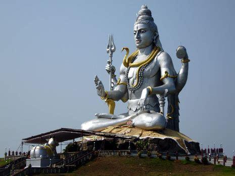 Patung Cendana Ukiran Ganesha 16 butterflies sivan temple in india