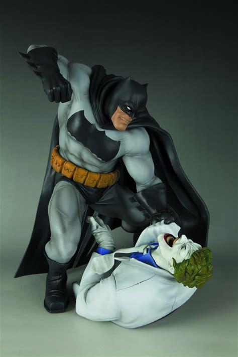 Batman Vs Joker Statue apr121799 returns batman vs joker artfx