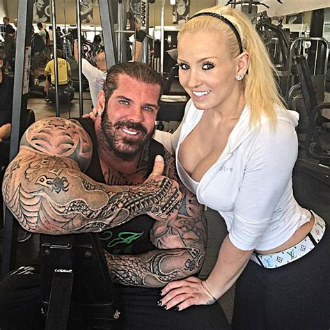 Rene Meme Bodybuilding - este hombre lleva 27 a 241 os tomando esteroides y as 237 luce su