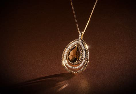 Jewelry Photography by Creative Jewelry Photography Course