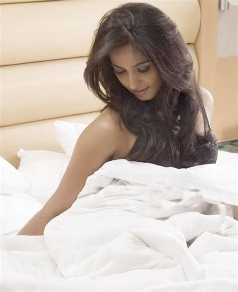 anushka shetty s super bedroom photoshoot in black
