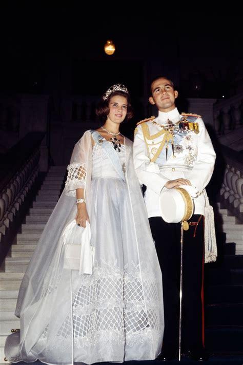 Royal Wedding A Glance Back At The Royal Wedding Dresses by Constantino De Grecia De Dinamarca Blanco