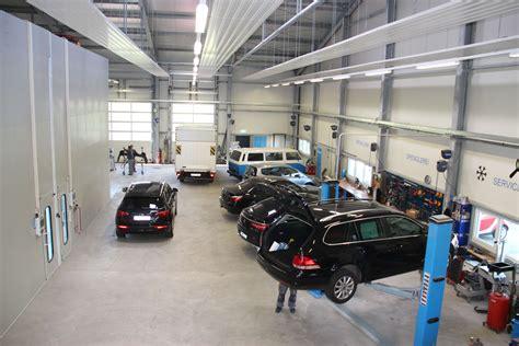 the garage auto die gebr 252 der kalludra und ihre gigantische autogarage in