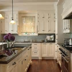 ivory kitchen ideas best 25 ivory kitchen cabinets ideas on ivory