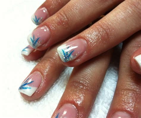 7 Tips For Summer Nails graceful nails for acrylic summer nails tip nail