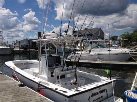 center console boats diesel wtb single screw inboard diesel center console the hull