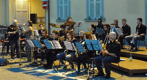 cantanti swing cernusco paolo tomelleri in concerto con ccdj swing band
